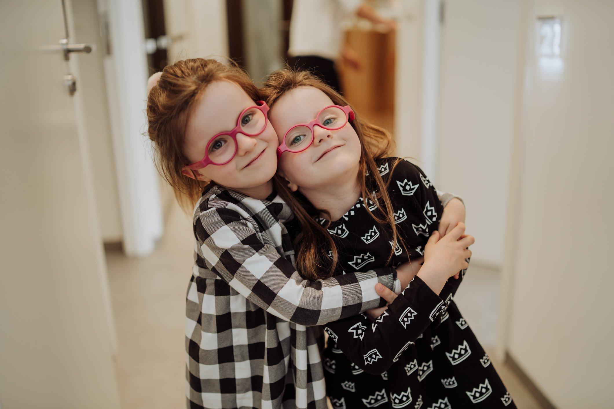 Czy dzieci tracą włosy inaczej niż dorośli?